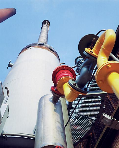 Incineration plant in a tank farm