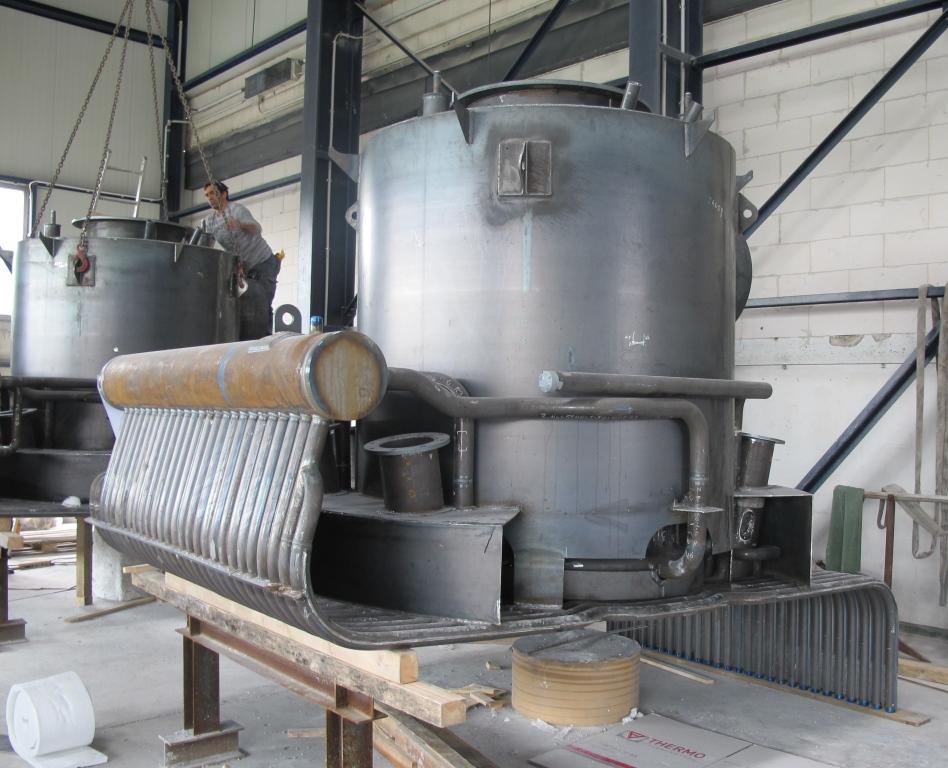 Combustor head of a waste heat boiler