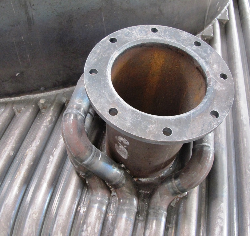 Details on the combustion chamber head