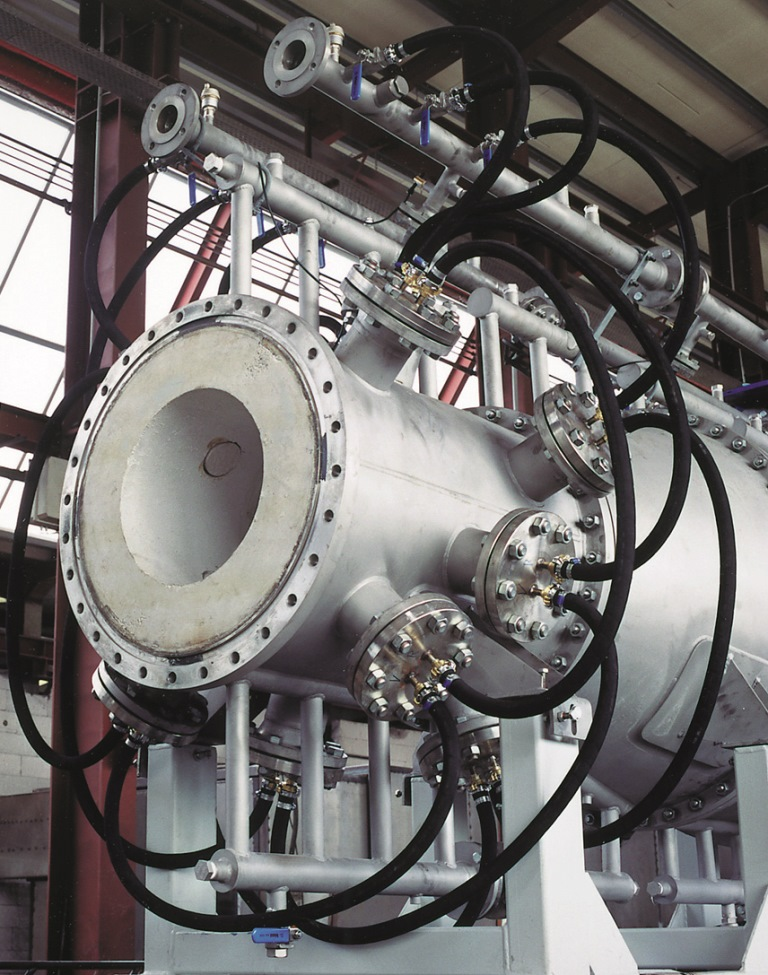 Pressure combustion chamber